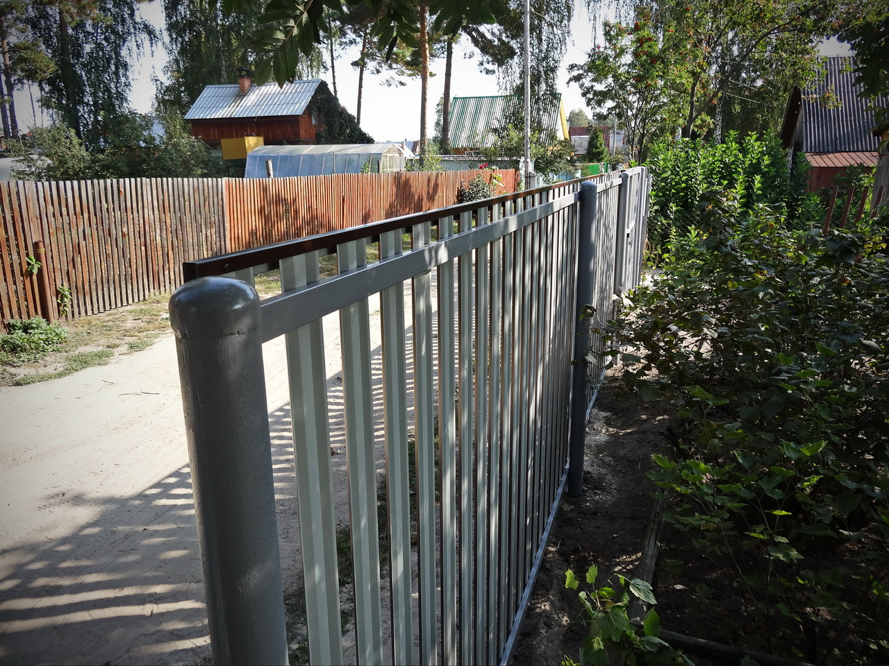 metal-lath-fences-19